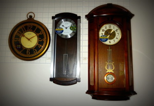 Hodinářství a klenoty Soukupovi Olomouc Povel ukázka zboží příjemné ceny levné starožitné nástěnné hodiny