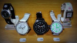 Hodinářství a klenoty Soukupovi Olomouc Povel ukázka zboží příjemné ceny levné dámské pánské dětské hodinky